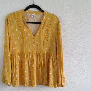 Mudd Yellow Flower Design Tunic Top